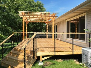 Deck with Cable Railingand Pergola
